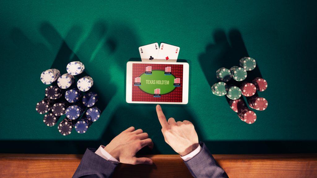 Triple Pocket Hold'em